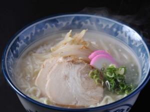 B級グルメ「牛骨ラーメン」 1Fお食事処にて